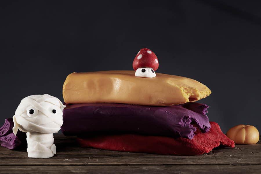 Figurer laget av sukkerpasta og marsipan