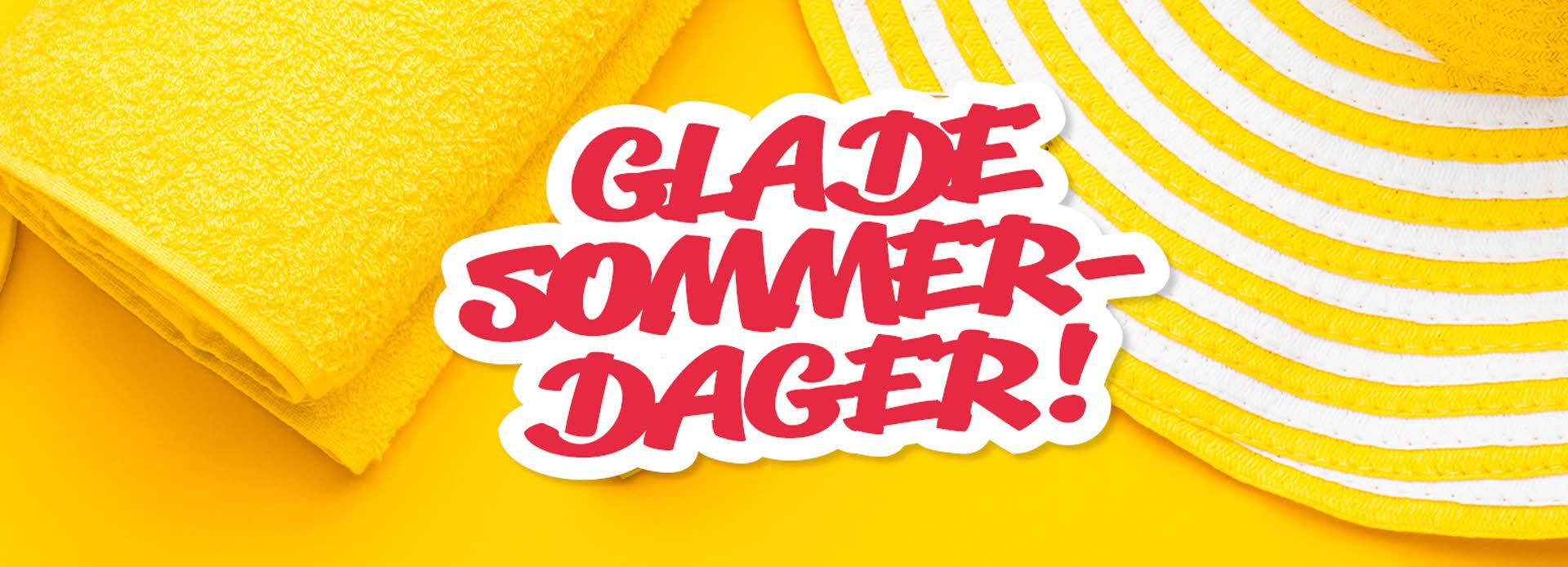 gul flip-flop, håndkle og solhatt og tekst glade sommerdage