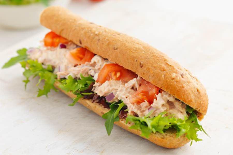Baguette med tunfisk og salat, fra La Baguette