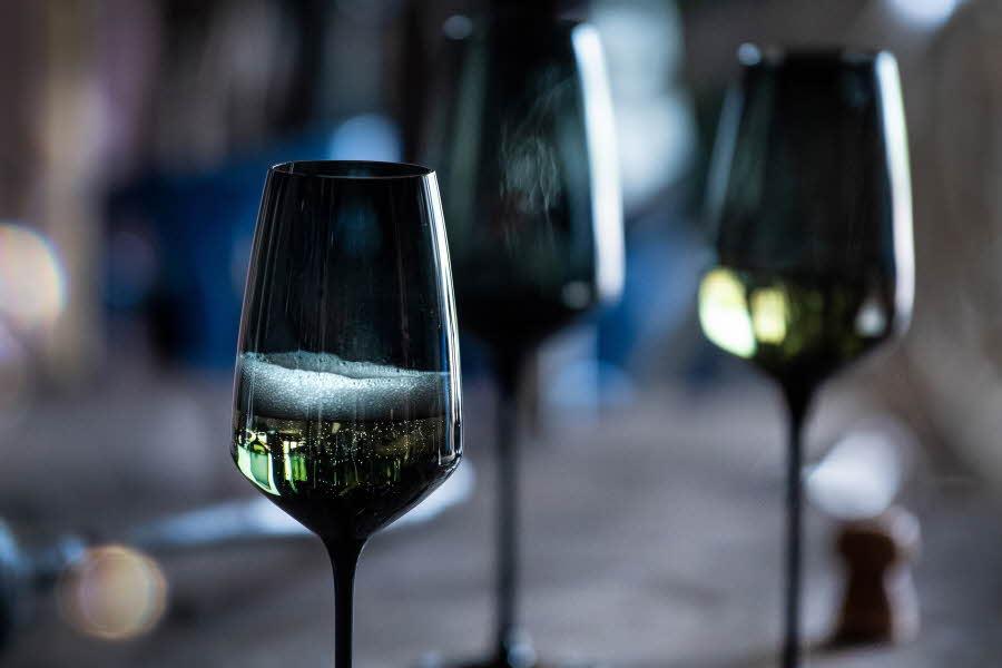 Champagne glass med champagne i