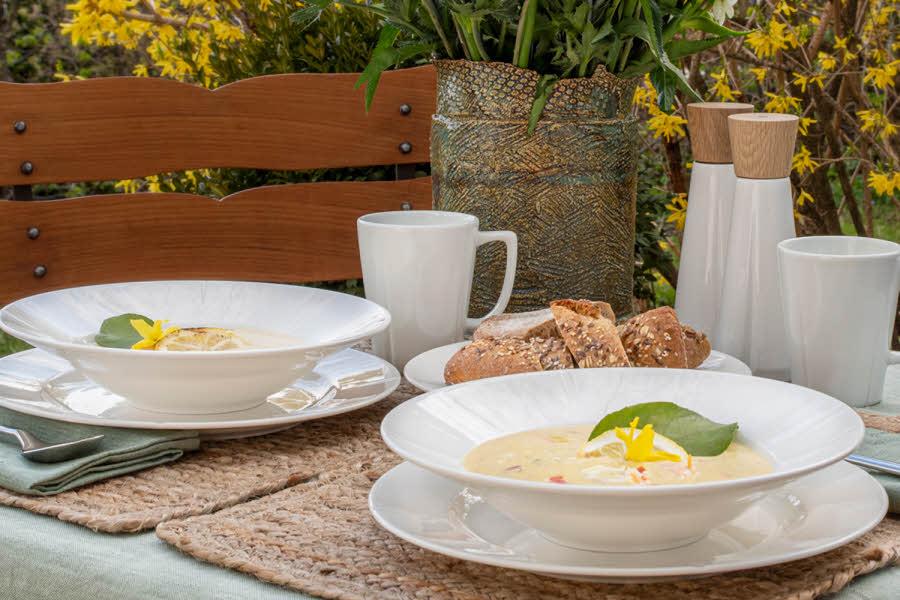 Rosendahl skåler med suppe i